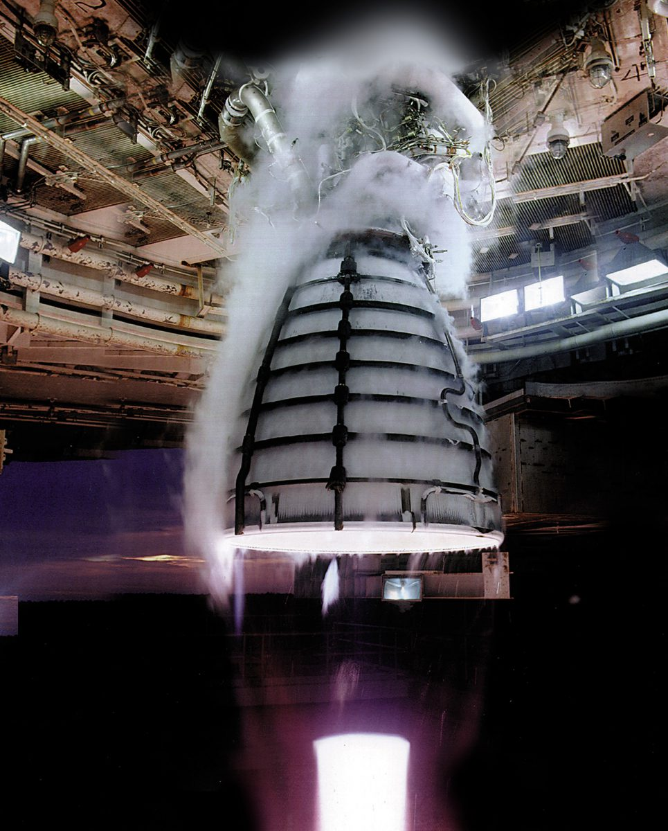 11-test-moteur-fusee-rs-25_engine_test_2