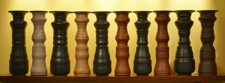 greg-payce-silhouettes-vases-09