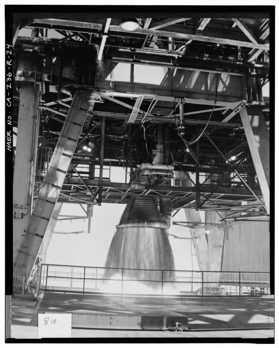 Saturn V F-1