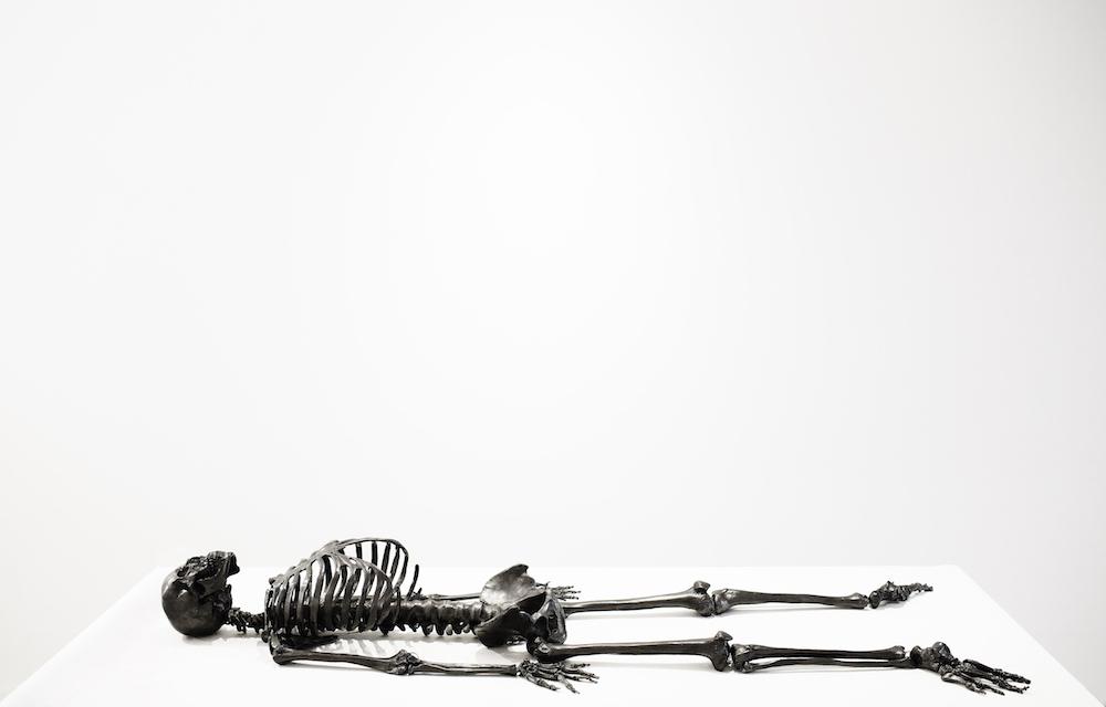 squelette-graphite-agelio-batle-03