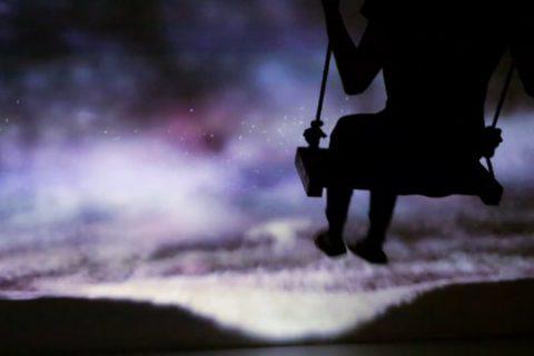De la balançoire dans les étoiles
