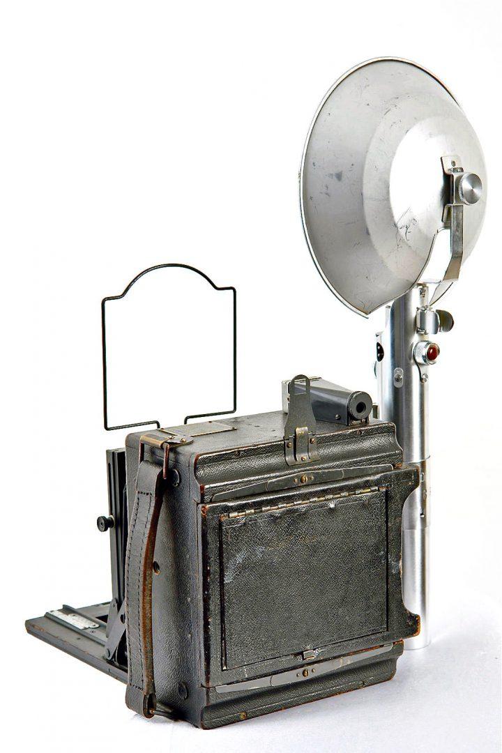 Le sabre laser original de Star Wars est un appareil photo ! (vidéo) By La boite verte Sabre-laser-graphlex-04-720x1080